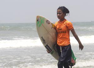 Bangla surf girls (Les surfeuses de Bangla)